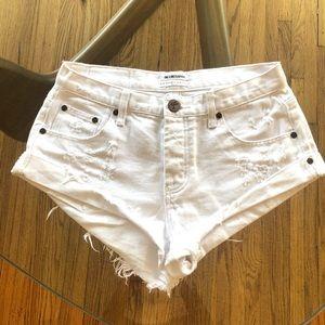 One Teaspoon bandits jean shorts size 26